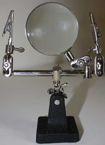 X-Tra Hands with Magnifiers